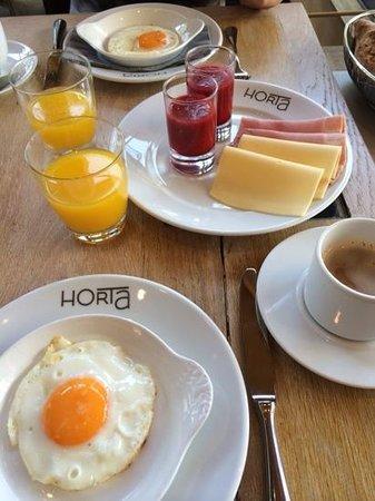 Grand Cafe Horta : prima ontbijt