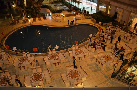 Palace Hotel : wedding by the pool