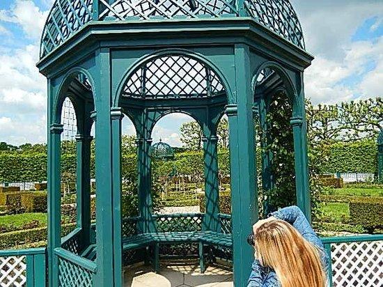 Herrenhäuser Gärten: Torres na parte dos jardins especiais.