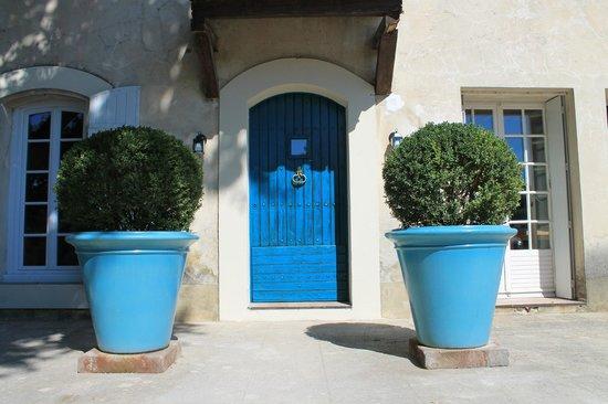 Le Mas Turquoise: porte d'entree
