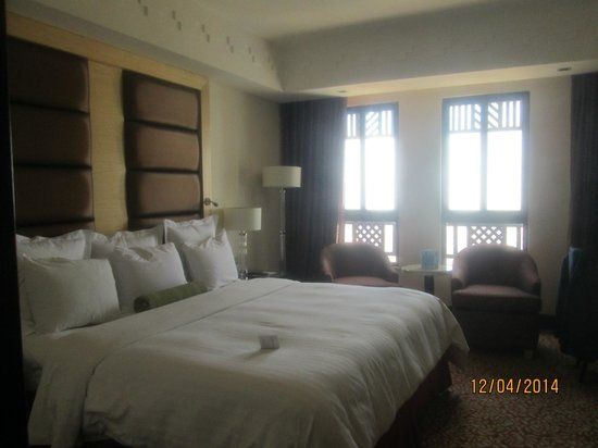 Petra Marriott Hotel: Bedroom ..fabulous view from window