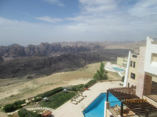 Petra Marriott Hotel : Side view from room
