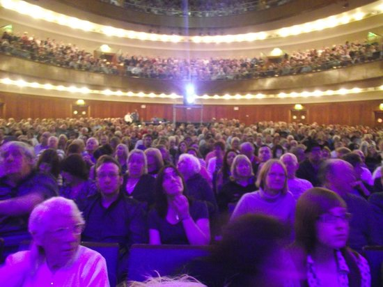 Sheffield City Hall: happy crowd