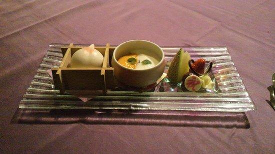 Hotel Shiroyama: デザート盛合せです。