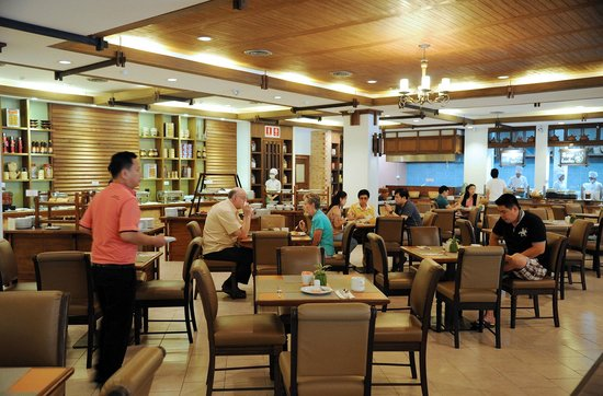 Suriwongse Hotel : Good spread at breakfast