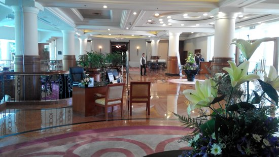 Dorsett Grand Labuan: Hotel reception area