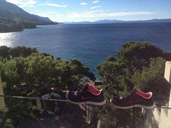 Bluesun Hotel Soline: Utsikt från hotellrummet efter ett träningspass på piren
