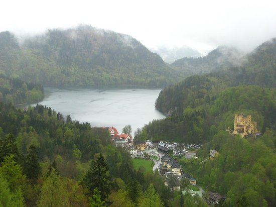 Pure Bavaria Tours: A view from Neushwanstein's balcony
