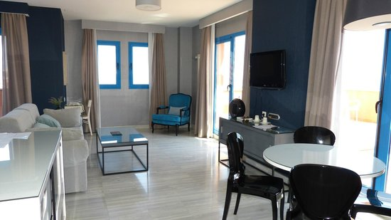 Holiday Hydros: Hydros Suite 44 bedroom