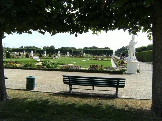 Herrenhäuser Gärten: Blick vom Schloss in den Garten