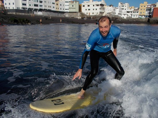 Atlantik Surf: surfing lessons in Puerto de la Cruz
