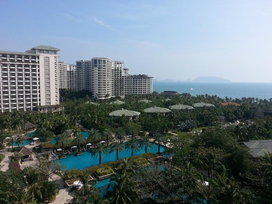 Howard Johnson Resort Sanya Bay: Howard Johnson Hotel Grounds
