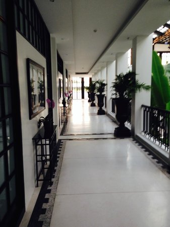 The Siam: Looking down the upstairs hallway