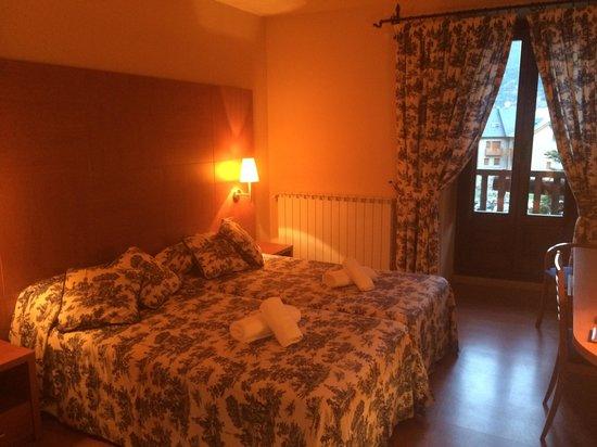Hotel Saurat: Lovely room!