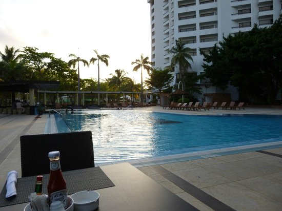 Eko Hotels & Suites : Relax by the pool
