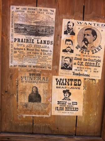 Old Tucson : Wanted