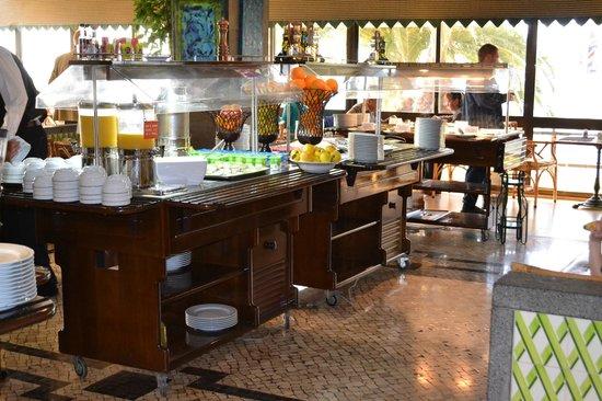 Estoril Eden Hotel: buffet  du restaurant