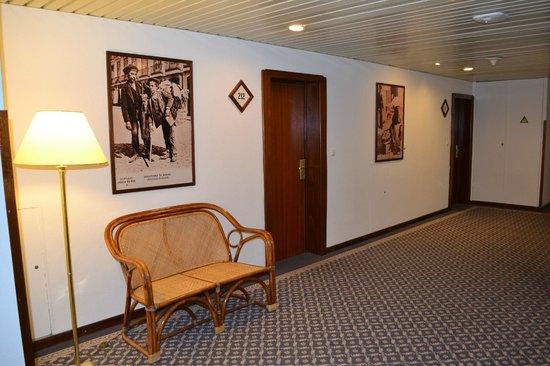 Estoril Eden Hotel: parties communes,couloir des chambres