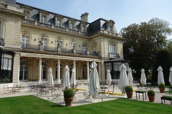 Château Les Crayeres : terrace