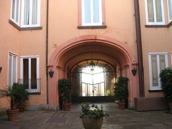 Villa Signorini Events & Hotel: cortile