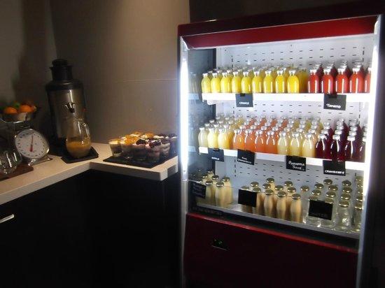 Rydges Latimer Christchurch: breakfst bar