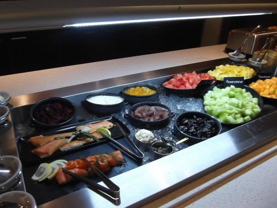 Rydges Latimer Christchurch: breakfast restaurant