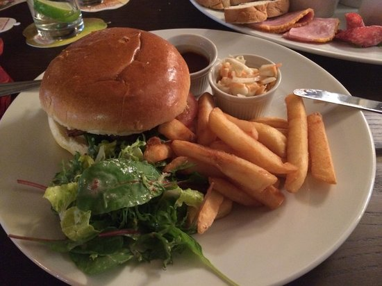 The Foresters Arms: The burger.  Beautiful it was. :D   And homemade!!!!!