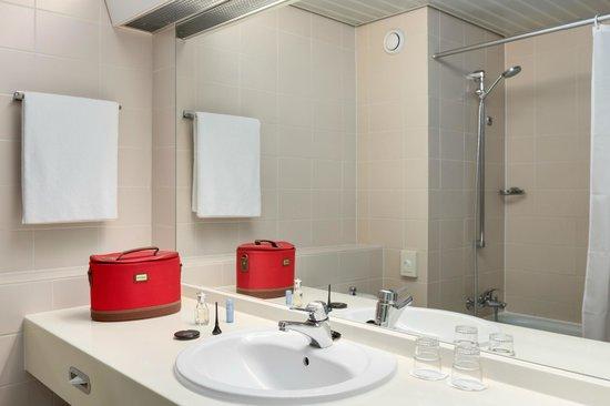 NH Maastricht : Bathroom