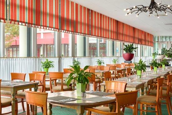 NH Maastricht: Breakfast Buffet