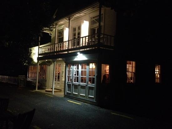 The Gables Restaurant: Gables by Night 2