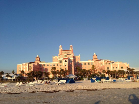 Loews Don CeSar Hotel: Before sunset