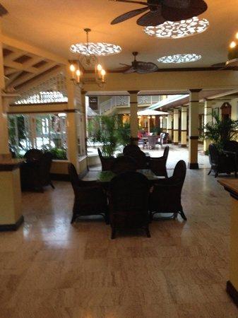 Sandals Royal Caribbean Resort and Private Island : Leaving main lobby