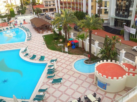 Pineta Park Deluxe Hotel: Children's club and view from room 407