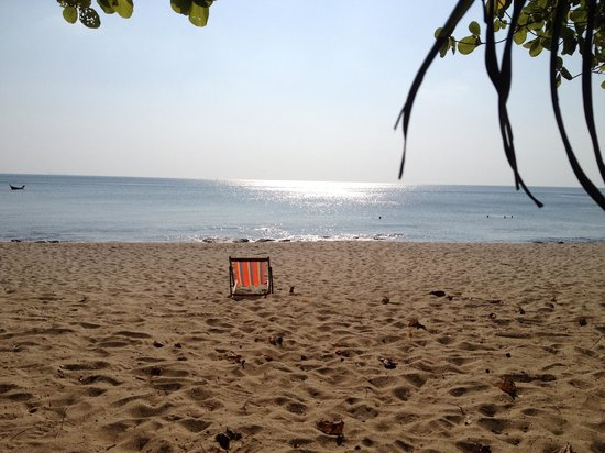 Amantra Resort & Spa: View of the sandy beach and ocean