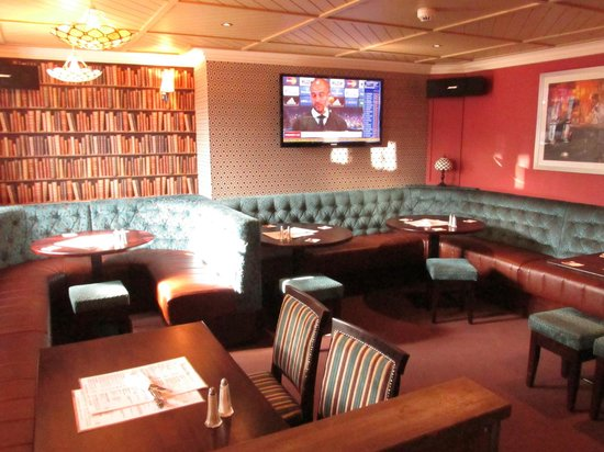 The Bentley Bar: Downstairs Booths