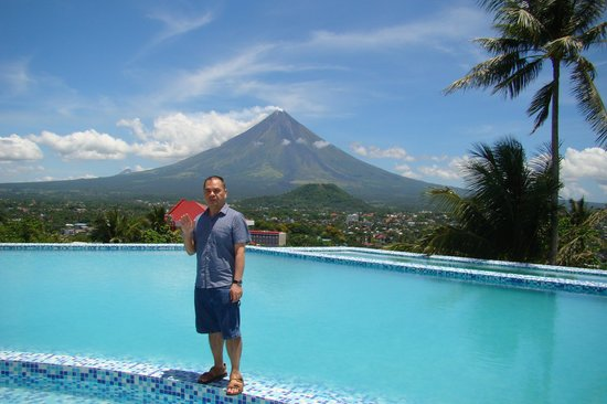 The Oriental Legazpi: Infinity Pool with a Better View of Mayon