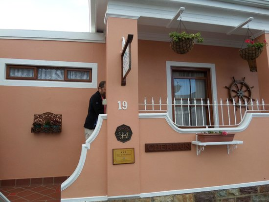 Cheriton Guest House B&B: Entrance