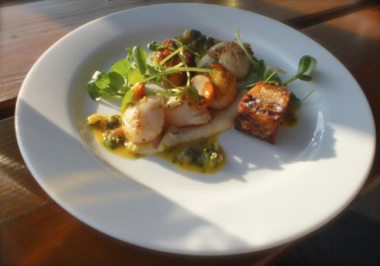 Life's a Beach: Fresh Scallops starter with Pork and crackling towers