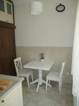 Elegant Apartments : Cuisine 2