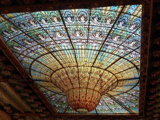 Palais de la Musique Catalane (Palau de la Musica Catalana) : Le plafond