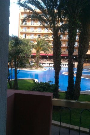 Hotel Luna Club: View from our room in daytime