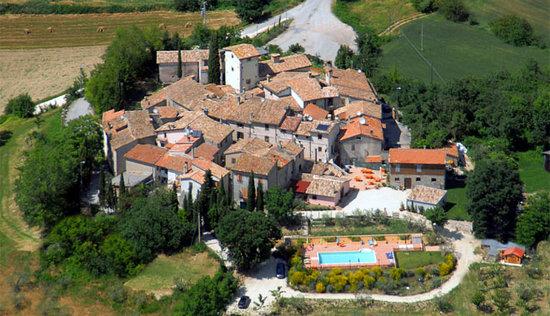 Il Borgo di Messenano : borgo visto dall'alto