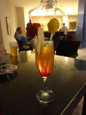 Insula Resort & Spa: коктеиль 2014-04