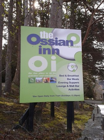 Ossian Hotel: Welcome sign on the premises with promises