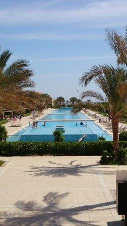 Jaz Bluemarine : Une deuxième piscine