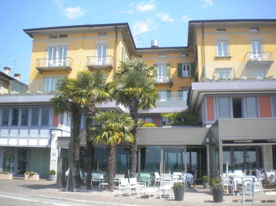 Hotel Lago di Garda: prospetto frontale stupendo