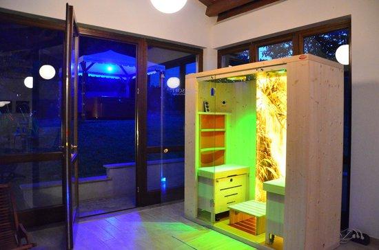 Nonna Rana Holidays Apartments: Sauna di notte