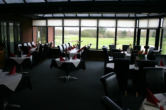 Calderfields Golf & Country Club: Restaurant