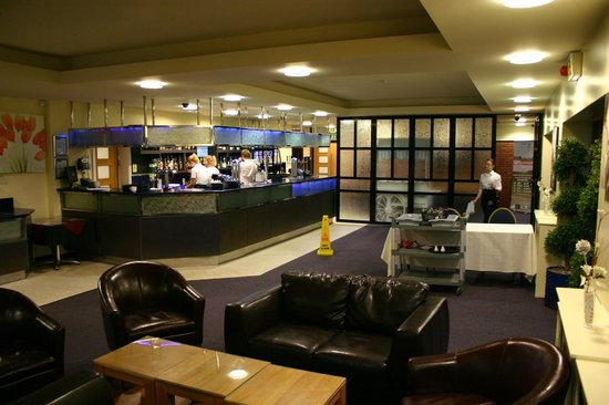 Calderfields Golf & Country Club: Bar