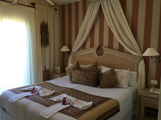 Green Garden Resort & Suites: chambre parents de l'apparthotel pour 4